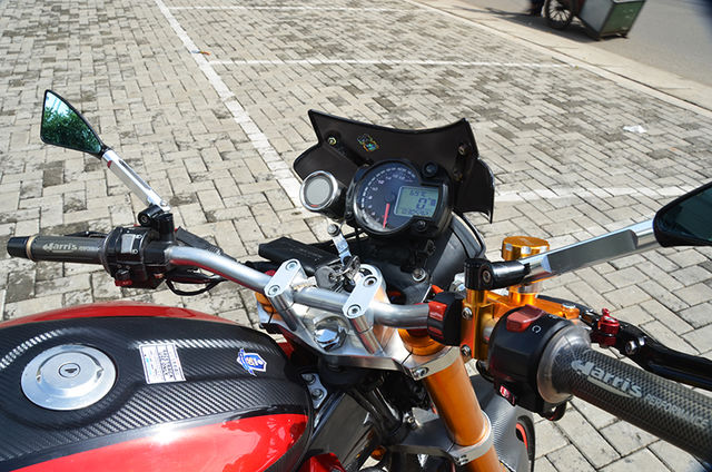 Bagian depan modifikasi vixion 2010 Street fighter